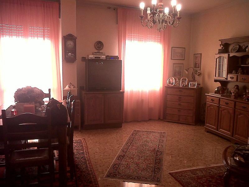 Ampio appartamento in zona lido agenzia immobiliare - Bagni lido andora ...